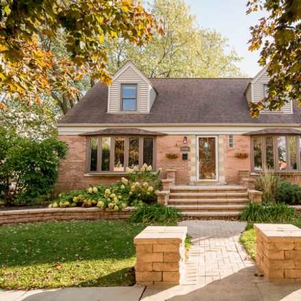 Rent this 5 bed house on 2701 97th Street in Evergreen Park, IL 60805