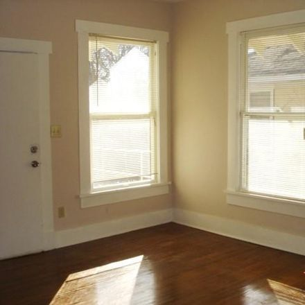 Rent this 1 bed duplex on 111 N Winnetka Ave in Dallas, TX