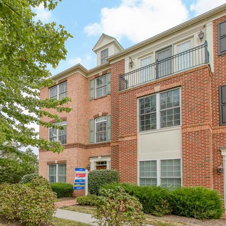 Rent this 4 bed townhouse on 122 Quietwalk Ln in Herndon, VA