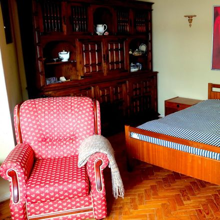 Rent this 3 bed room on Avenida 25 de Abril in 1675 Pontinha e Famões, Portugal