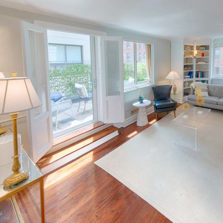 Rent this 3 bed condo on 203 West 90th Street in New York, NY 10024