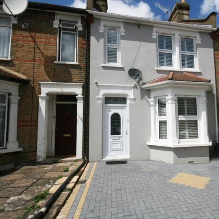 Rent this 5 bed house on Madras Road in London IG1 2EY, United Kingdom