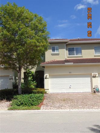 Rent this 3 bed townhouse on 2425 Southeast 19th Street in Homestead, FL 33035