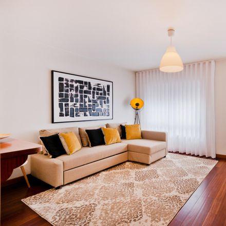 Rent this 1 bed apartment on Elefante Branco in Rua do Conde de Redondo, 1150-006 Santo António