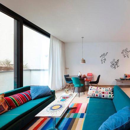 Rent this 3 bed apartment on Chaussée de Saint-Job - Sint-Jobsesteenweg 521 in 1180 Uccle - Ukkel, Belgium