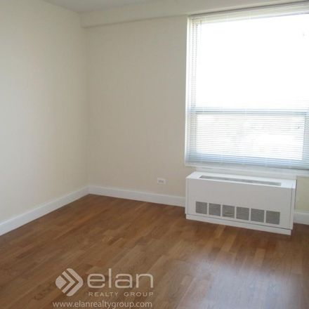 Rent this 2 bed apartment on N Winchester Ave in Chicago, IL