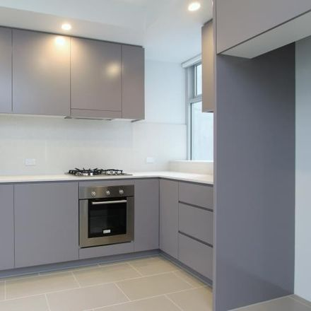 Rent this 1 bed apartment on 2/50 Waverley Street