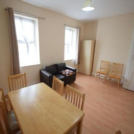 Rent this 3 bed apartment on Green Villa in 182 Cricklewood Broadway, London NW2 3HT
