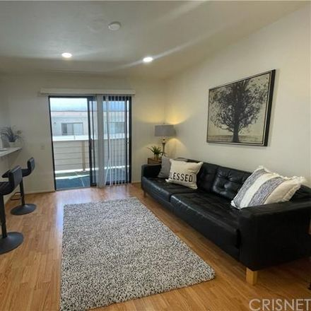 Rent this 3 bed condo on unnamed road in Los Angeles, CA 91311