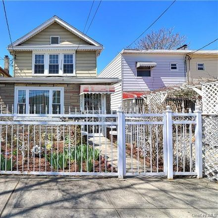 Rent this 3 bed house on 521 Thieriot Avenue in New York, NY 10473