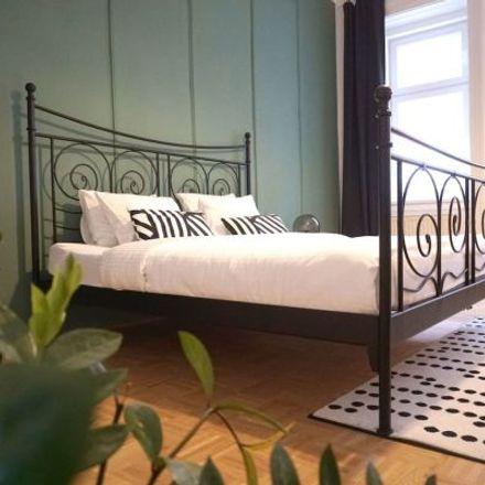 Rent this 5 bed apartment on Balderichgasse 4 in 1170 Vienna, Austria