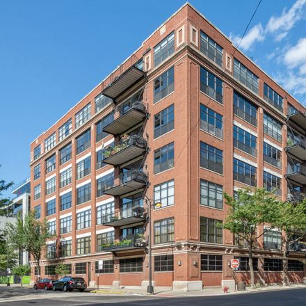 Rent this 2 bed loft on 850 West Adams Street in Chicago, IL 60607