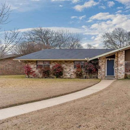 Rent this 3 bed house on Auburn Dr in Longview, TX
