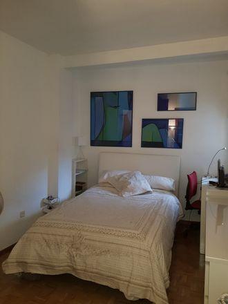 Rent this 3 bed room on Carrer de Roger de Flor in Barcelona, España