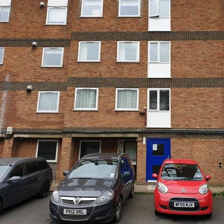 Rent this 3 bed apartment on Training Depot Day Nursery in 2-4 Brook Street, Luton LU3 1DS
