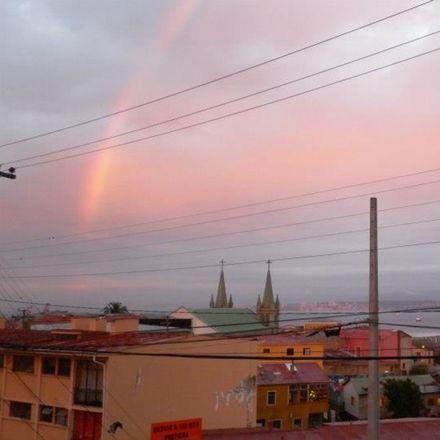 Rent this 4 bed house on Valparaíso in Cerro Miraflores, VS