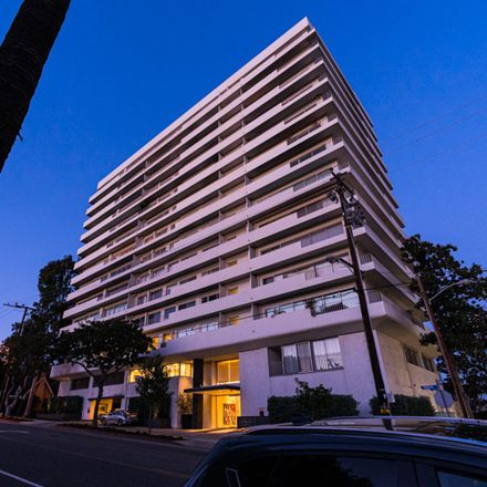 Rent this 3 bed apartment on Plaza Towers in 838 North Doheny Drive, Beverly Hills