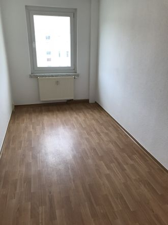 Rent this 3 bed apartment on Neschwitzer Straße 11 in 01917 Kamenz - Kamjenc, Germany