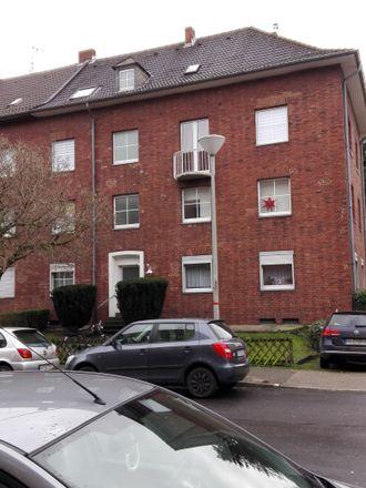 Rent this 2 bed apartment on Krüllsdyk 13 in 47803 Krefeld, Germany