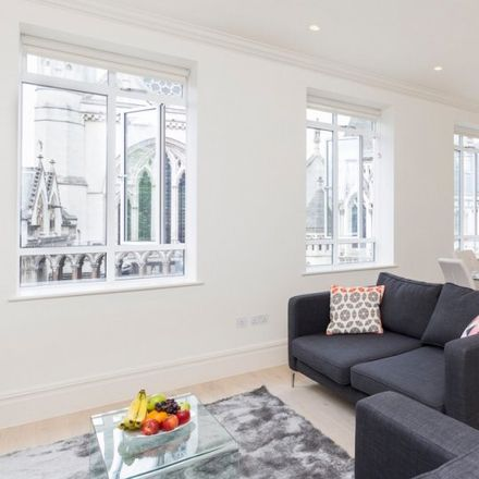 Rent this 3 bed apartment on Inner and Middle Temples in New Court, London EC4Y 9BE