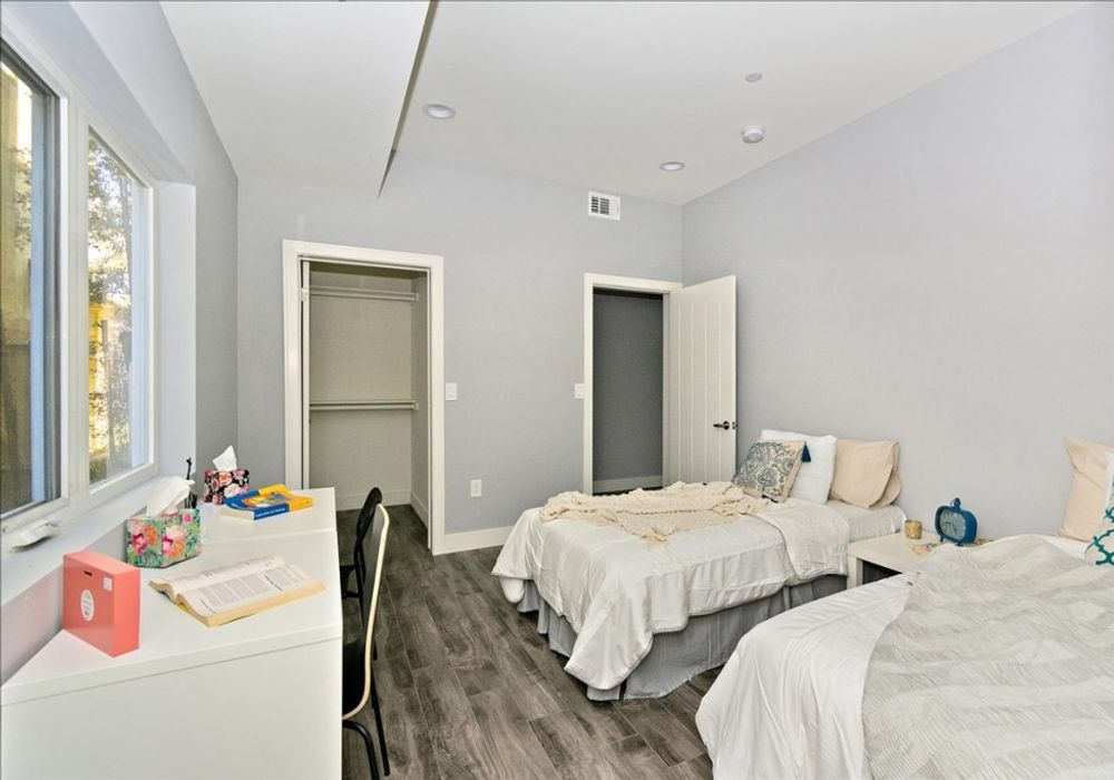 1 bed apartment at 3152 Raymond Avenue, Los Angeles, CA ...