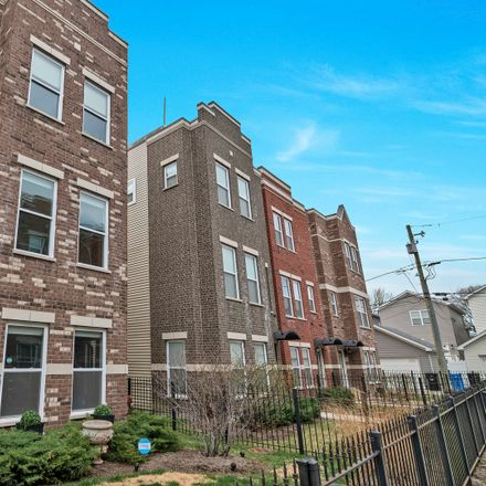 Rent this 3 bed townhouse on 3763 South Morgan Street in Chicago, IL 60609