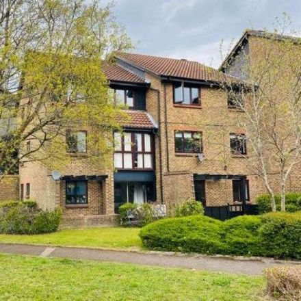 Rent this 1 bed apartment on Stockfield in Horley RH6 9BZ, United Kingdom