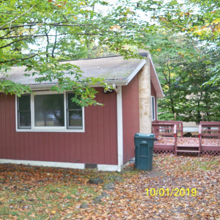 Rent this 2 bed house on Country Pl Dr N in Tobyhanna, PA