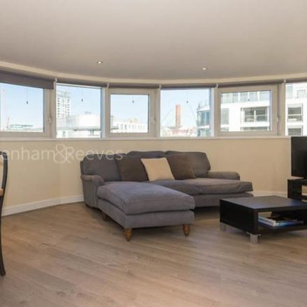 Rent this 2 bed apartment on Octavia House in Townmead Road, London SW6 2FG