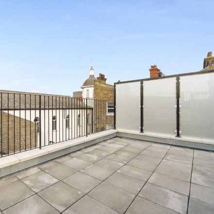 Rent this 3 bed apartment on Maybury Gardens in London NW10 2LX, United Kingdom