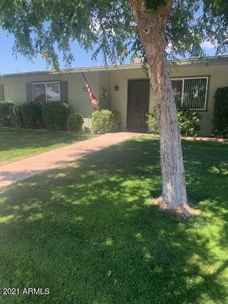 Rent this 2 bed apartment on 13222 North 108th Drive in Sun City, AZ 85363