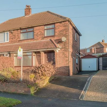 Rent this 3 bed house on Queensthorpe Avenue in Leeds LS13, United Kingdom
