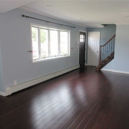 Rent this 3 bed house on 200 North Manhattan Avenue in North Massapequa, NY 11758