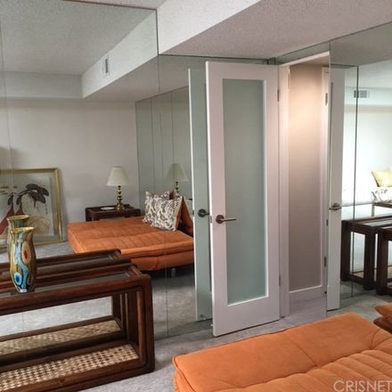 Rent this 1 bed condo on 5285 East Waverly Drive in Palm Springs, CA 92264