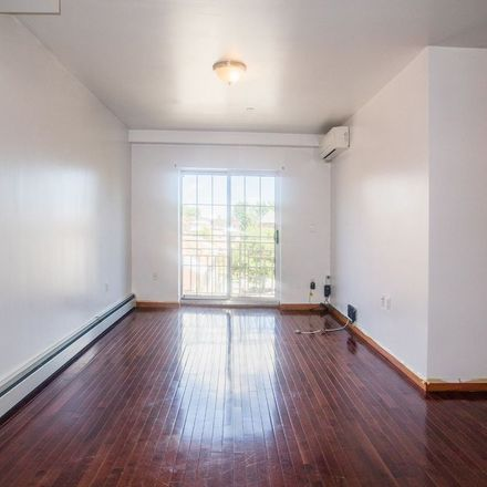 Rent this 2 bed condo on Cherry Ave in Flushing, NY