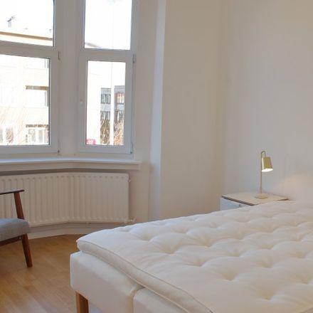 Rent this 5 bed apartment on Avenue de Juillet - Julilaan 118 in 1200 Woluwe-Saint-Lambert - Sint-Lambrechts-Woluwe, Belgium