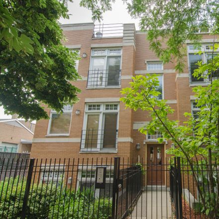 Rent this 2 bed condo on N Janssen Ave in Chicago, IL