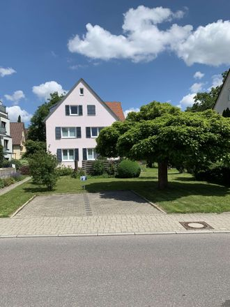Rent this 2 bed apartment on Kanalstraße 20 in 70771 Echterdingen, Germany
