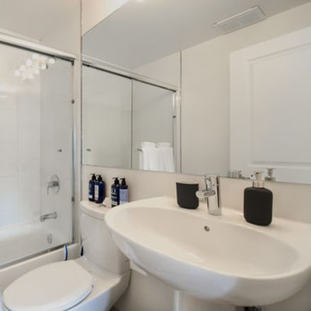 Rent this 1 bed apartment on Grosvenor Suites in Pine Street, San Francisco
