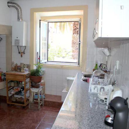 Rent this 4 bed room on Rua Nova da Piedade 89 - 97 in 1200-366 Lisbon, Portugal