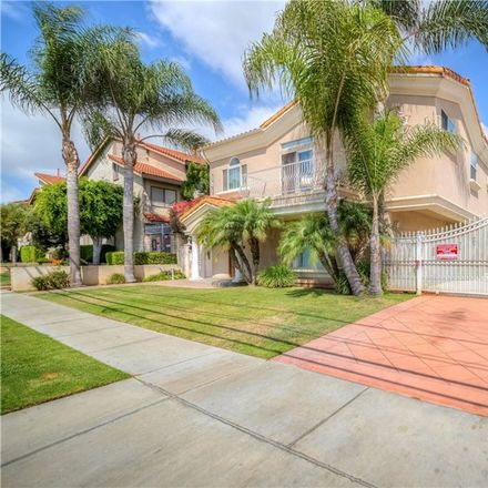 Rent this 3 bed townhouse on 1141 Magnolia Avenue in Gardena, CA 90247