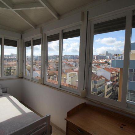 Rent this 9 bed room on Avenida da Fundação 9 in 2800-414 Almada, Cova da Piedade