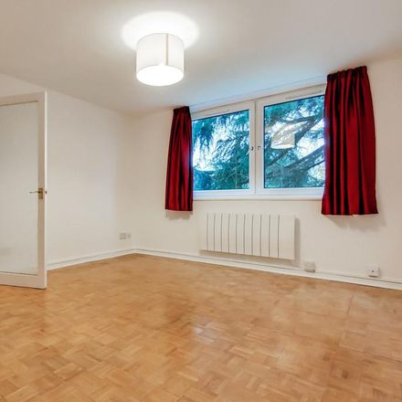 Rent this 1 bed apartment on London SE19 3LN