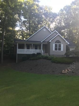 Rent this 4 bed house on 905 N Crestview Dr in Seneca, SC
