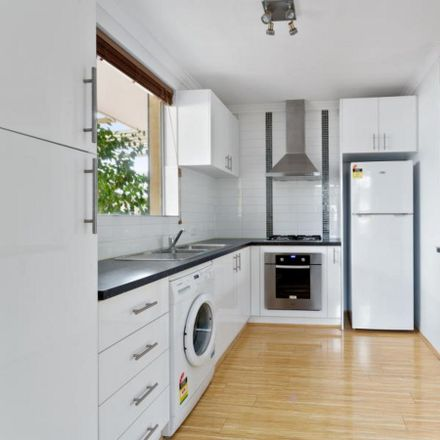 Rent this 1 bed townhouse on 1/49 Wellington Parade