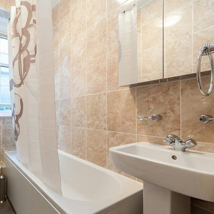 Rent this 2 bed apartment on Crawford Mansions in Homer Row, London W1H 4AL