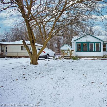Rent this 3 bed house on Farragut St in Westland, MI