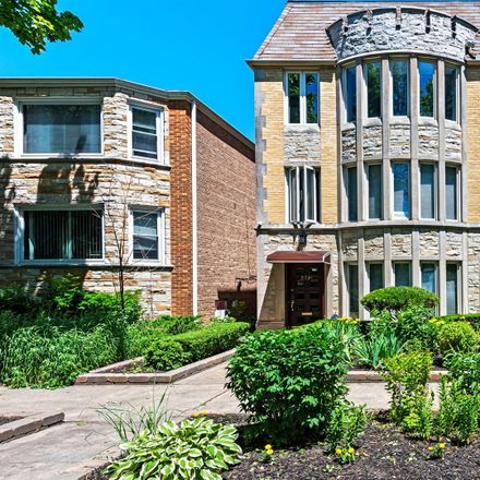 Rent this 5 bed duplex on West Berteau Avenue in Chicago, IL 60641