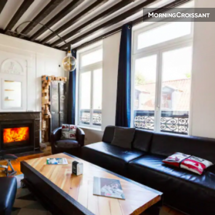 Rent this 3 bed apartment on 46;46 bis Rue Princesse in 59000 Lille, France