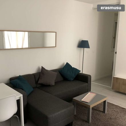 Rent this 1 bed apartment on Promenade des Chartreux in 92130 Issy-les-Moulineaux, France